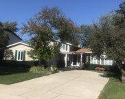 614 W Tanglewood Drive, Arlington Heights image