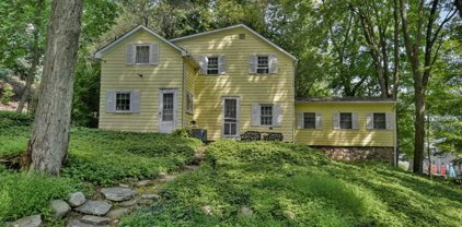 64 Fawnhill Road, Upper Saddle River