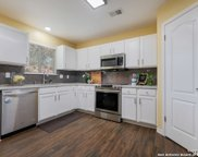 8423 Berry Knoll Dr, Universal City image