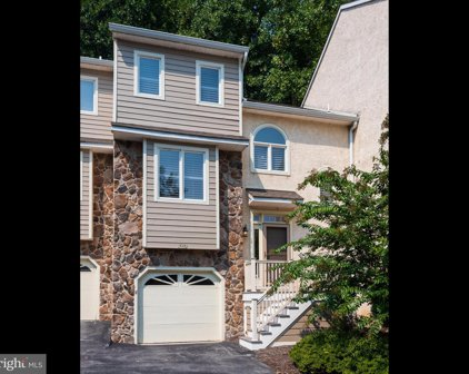 518 Waters Edge, Newtown Square