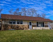 910 Beverly Ln, West Bend image