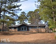 3034 Periwinkle Dr, Snellville image