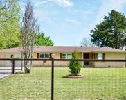 112 N Forest Hill Drive, Everman image