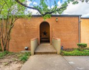538 E Avenue J Unit B, Grand Prairie image