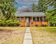 82 Thornlee Crescent Nw, Calgary image
