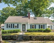 32 Hickory Cliff Rd, Newton image