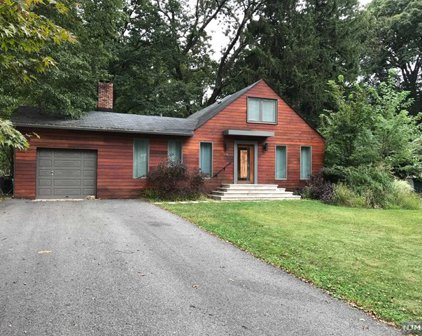 936 Pines Terrace, Franklin Lakes