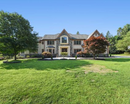 322 Waterview Drive, Franklin Lakes