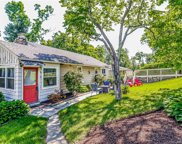 89 Clearview  Drive, Brookfield image