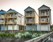 211 Bridgeview Court, Surf City image