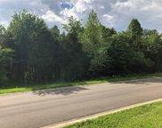 8412 N Twisted Oak Drive, Martinsville image