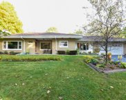 14236 W Crest View Dr, New Berlin image