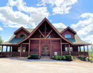 1081 Towering Oaks Dr, Sevierville image