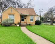 5202 Stoneleigh Avenue, Dallas image
