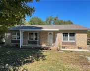 406 Robinson Clemmer  Road, Dallas image